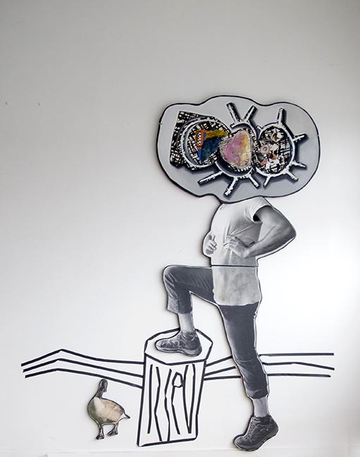 installation 2 2019 peinture/photo/toile/découpe bois 243x121cm