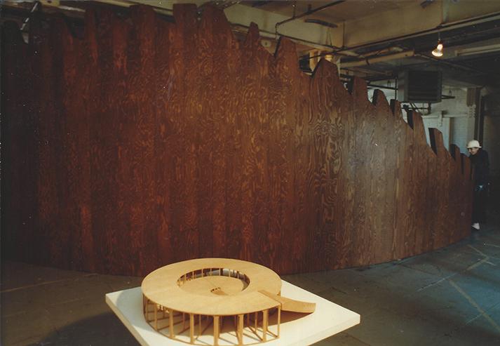 Vortex et maquette1997boisDiamètre 9,75m x Hauteur 2,74m